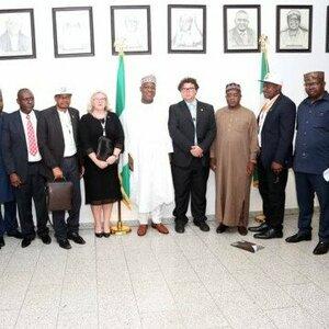 Ezels winnen in het Nigeriaanse parlement!